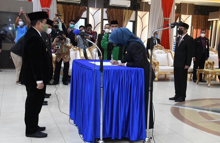 lima kepala SKPD Ibnu Sina Kota Banjarmasin lantik